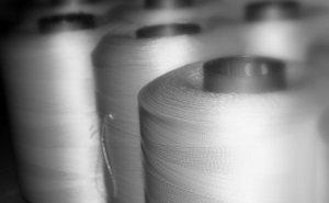 По предварительным оценкам, доля импорта на рынке высокопрочных полиамидных и полиэфирных нитей в 2015 году увеличится