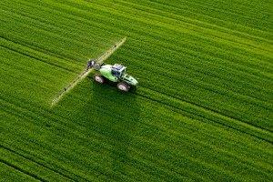 Производители увеличили выпуск инсектицидов в 2016 году на 44%